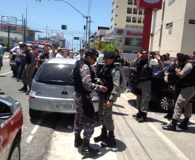 Assaltantes abordaram policial na saída do banco. (Foto: Daniel Figueiredo/arquivo pessoal)