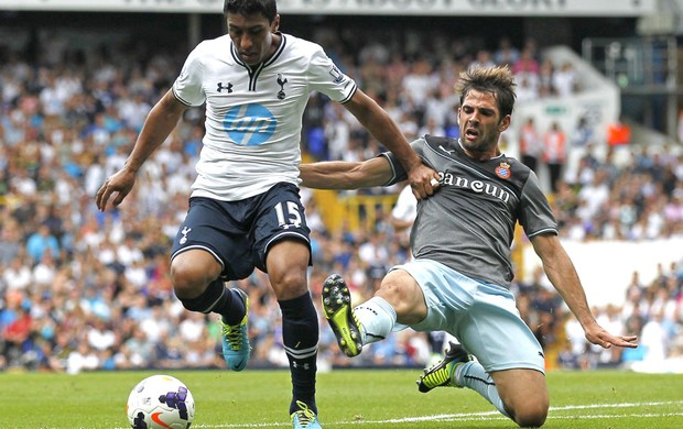 Paulinho Tottenham  (Foto: Agência AFP)
