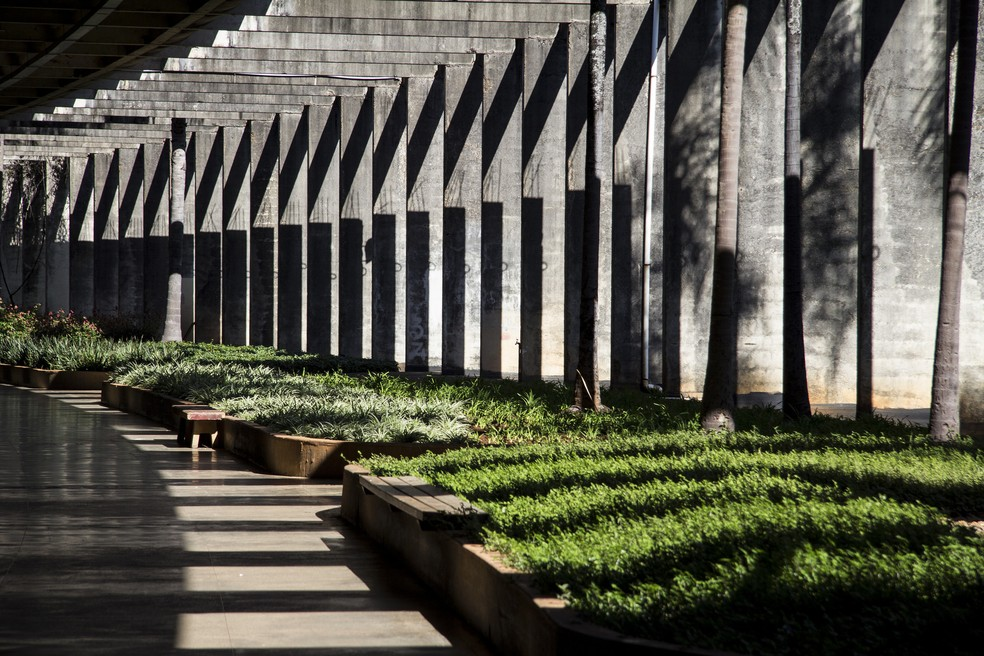 Área interna do Instituto Central de Ciências, um dos prédios principais da Universidade de Brasília (Foto: Emília Silberstein/Secom UnB)
