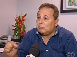 Secretário Executivo de Governo e Relações Institucionais de Palmas, Adir Gentil, fala das demissões (Foto: Reprodução/TV Anhanguera)
