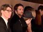 Bradley Cooper assiste a desfile de Irina Shayk na primeira fila