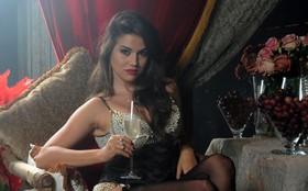Traficadas fazem ensaio sensual a mando de Lívia! Veja as primeiras fotos!
