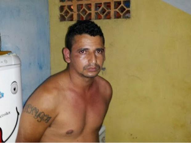 Preso suspeito de assassinar vereador em Santa Luzia, MA (Foto: Louremar Fernandes)
