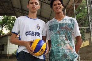 Marcos Santana e Sávio Felipe jogadores de Vôlei infantil-juvenil e juvenil acre (Foto: João Paulo Maia)
