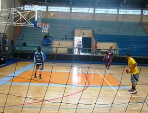 Treino da LSB Liga Sorocabana de Basquete (Foto: Fernando Cesarotti/Globoesporte.com)