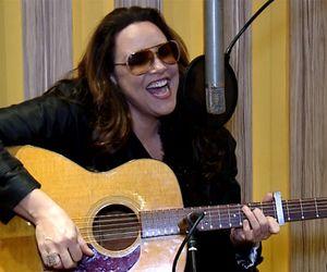 Ana Carolina canta Ludmilla no TVZ Cover