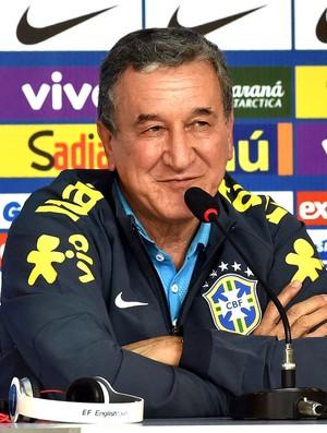 Coletiva Parreira Seleção Brasileira (Foto: Gaspar Nóbrega / Vipcomm)
