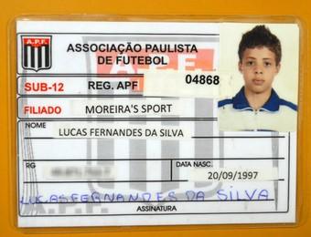 Lucas Fernandes carteirinha Moreira (Foto: Danilo Sardinha/GloboEsporte.com)
