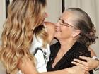 Famosos usam redes sociais para homenagear suas mães