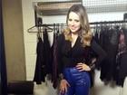Sandy adianta look com calça azul de couro na estreia do SuperFiltro; veja!