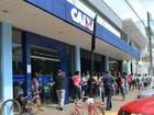 Fim do feriado  provoca filas em bancos (Magda Oliveira/ G1)