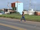 Pedestres se arriscam ao atravessar rodovias de Tatuí e região