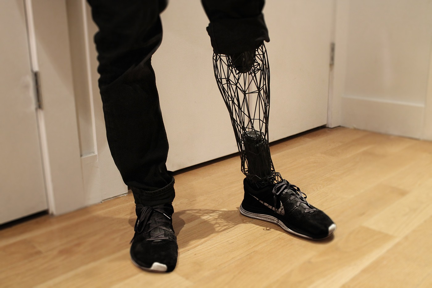 Designer cria próteses de titânio com impressora 3D