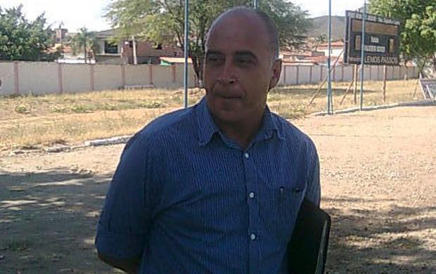 Nelson Mourão é contratado para dirigir o 4 de Julho em 2013 (Foto: Divulgação)
