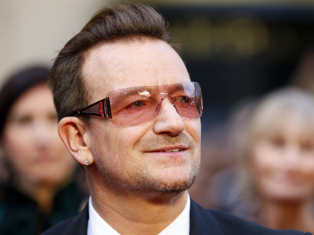 Bono, do U2, chega ao Oscar 2014 (Foto: Reuters/Mike Blake)