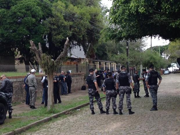 Armario Capsula Feminino ~ G1 Tr u00eas pessoas s u00e3o mantidas reféns na Zona Sul de Porto