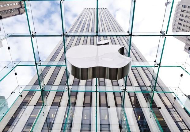 Logo da Apple é visto em loja da empresa em Nova York (Foto: Eric Thayer/Getty Images)