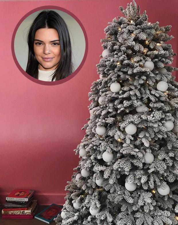 Parede rosa de Kendall Jenner (Foto: Reprodução/Getty Images)