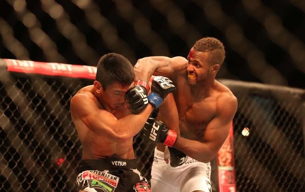 UFC TUF 3 Kevin Souza x Mark Eddiva (Foto: Marcos Ribolli)