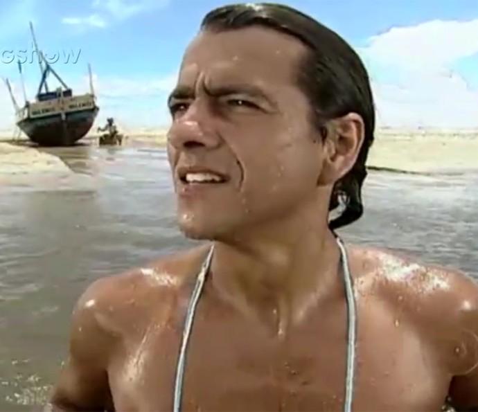 """""""Só no Balanço do Mar"""", na voz da jurada do SuperStar, embalou """"Porto dos Milagres"""" (2001) (Foto: TV Globo)"""