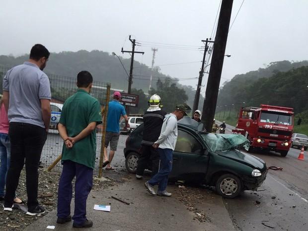 d8f77860f04 G1 - Grávida e bebê morrem em acidente de trânsito em avenida de ...