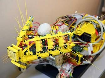 """Protótipo do """"gato robô"""" (Foto: Reprodução/guardianlv)"""