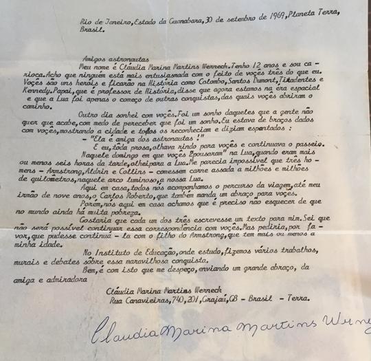Carta que Claudia Werneck escreveu quando criança para os primeiros astronautas a pisar na lua (Foto: Reprodução/Arquivo Pessoal)