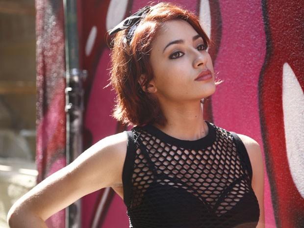 Carolina Oliveira caracterizada como Natasha de 'I Love' (Foto: Raphael Dias / Gshow)