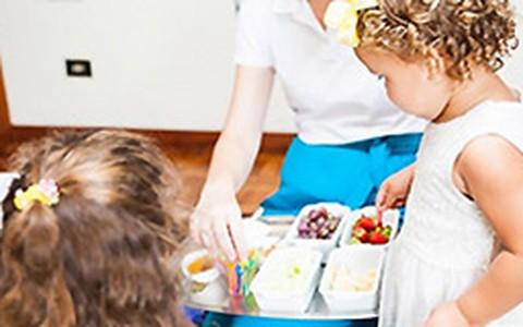 Festa infantil com lanches e bebidas saudáveis: saiba o que servir