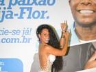 Raíssa Oliveira, rainha da Beija-Flor, exibe curvas com vestido transparente