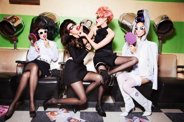 Fotografia de Ellen Von Unwerth para a Vogue Itália, novembro de 2013 (Foto: Ellen Von Unwerth )