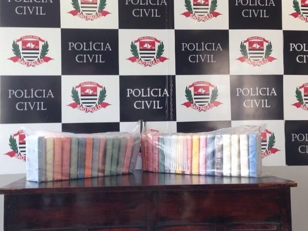 Polícia apreendeu droga com foragido em Cubatão, SP (Foto: Guilherme Lucio da Rocha/G1)