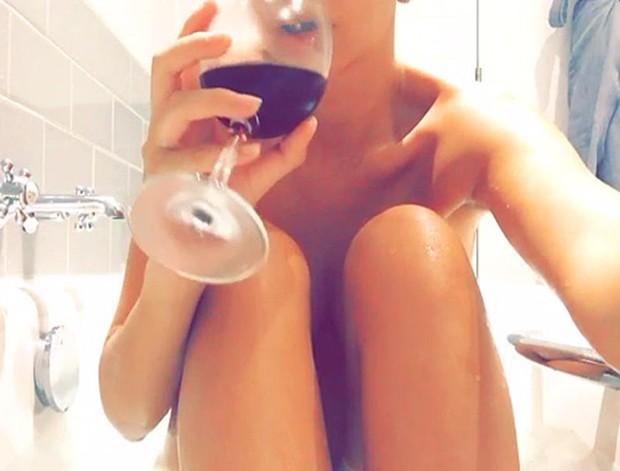 Emily Ratajkowski (Foto: Reprodução/Snapchat)