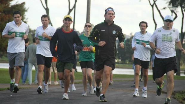 Coxa Runners treina no Parque Barigüi (Foto: Gabriel Hamilko / GloboEsporte.com)