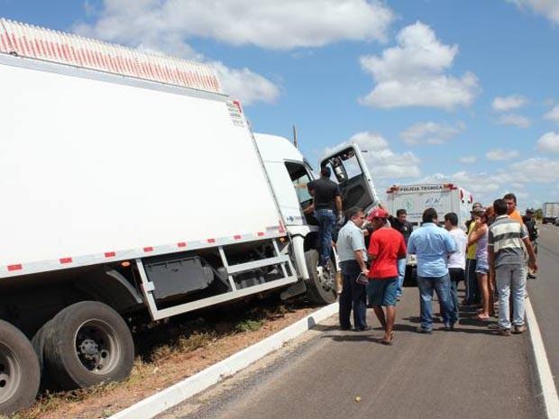 Acidente aconteceu na manhã desta sexta-feira (27), em Mossoró (Foto: Marcelino Neto)