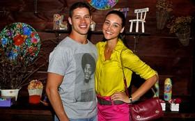 Após bilhete de Loreto, Débora Nascimento diz 'sim' e revela como será o casamento