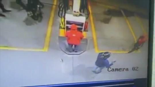 Dupla assalta posto de combustíveis no centro de Bragança; veja vídeo