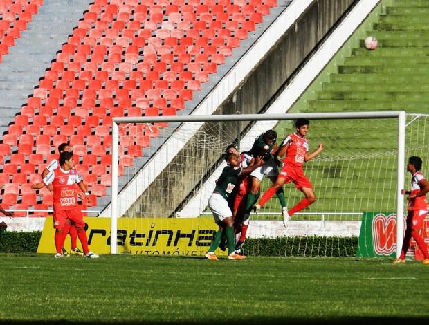 Uberlândia e Uberaba pela primeira rodada da Taça Minas Gerais 2012 (Foto: Felipe Santos/GLOBOESPORTE.COM)