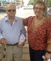 Sem obrigação, casal de idosos vai às urnas (Sílvio Túlio/ G1)