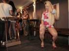 Mulher Filé se empolga e mostra demais em lançamento de clipe