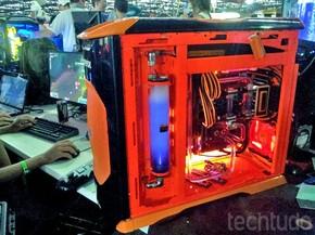 Campuseiros trazem ao evento seus computadores tunados (Foto: TechTudo/Paulo Vasconcellos)