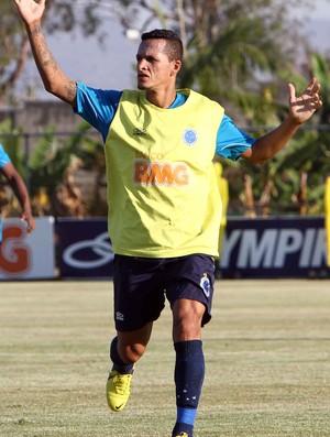 Souza, meia do Cruzeiro (Foto: Denilton Dias/ VIPCOMM)