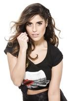 Camilla Camargo fala sobre cabelos brilhantes: 'Uso óleo de coco em casa'