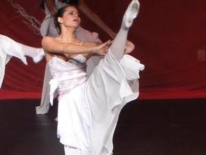 Dançarina da Escola de Dança Aura (Foto: Marcelo Seixas / Divulgação)