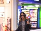 Deborah Secco usa mala de mais de R$ 16 mil, igual à de Juliana Paes