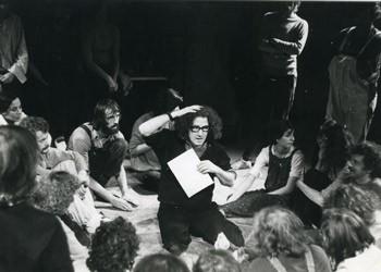Augusto Boal e o Teatro do Oprimido em Paris, 1975 (Foto: Divulgação)