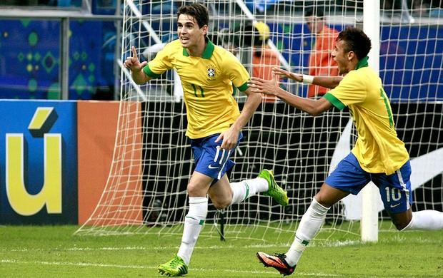 oscar brasil gol França amistoso arena do grêmio (Foto: Wesley Santos / ARENAPOA)