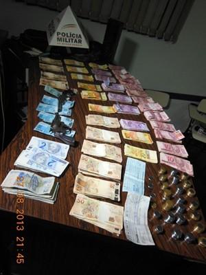 Polícia apreende R$ 9 mil apreendidos de supermercado em Guaranésia (Foto: Polícia Militar)