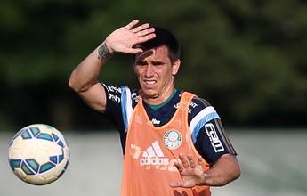 Argentino Mouche diz não ao Coelho; clube segue em busca de atacante