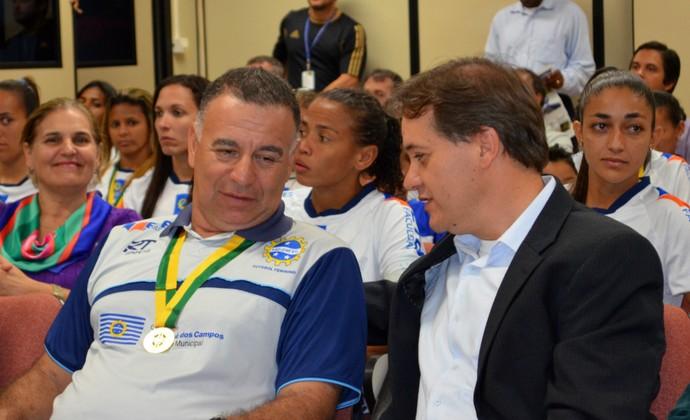 Márcio Oliveira Carlinhos Almeida (Foto: Danilo Sardinha/Globoesporte.com)